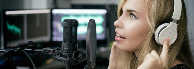 girl-mic-music